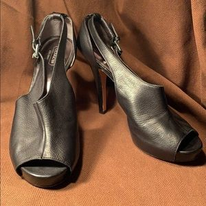 Coach soft glove leather heels worn once in EC